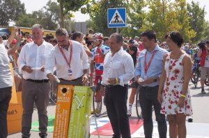 Alcalde de Mijas reciclando